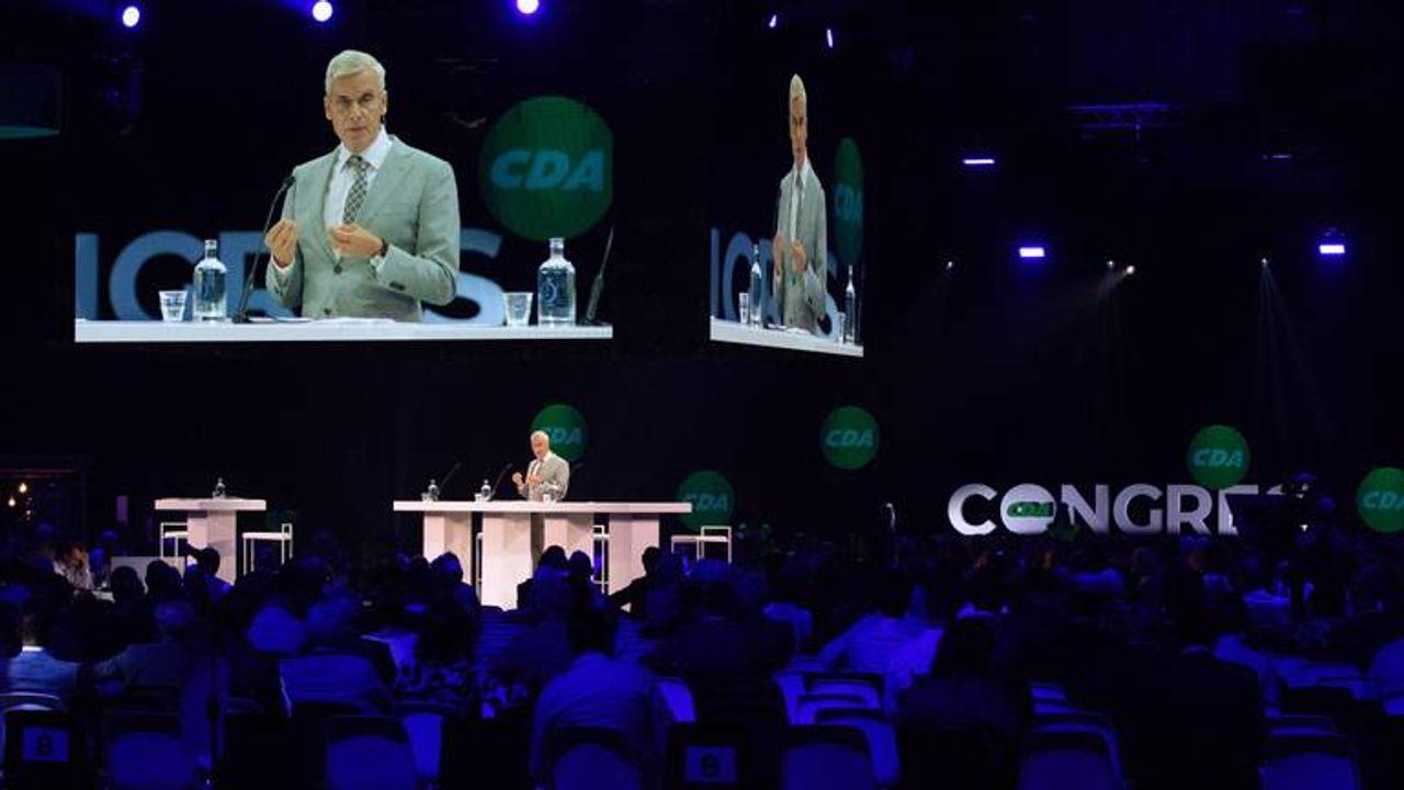 Lange rijen bij bijzonder CDA-congres in Den Bosch: 1300 leden verwacht