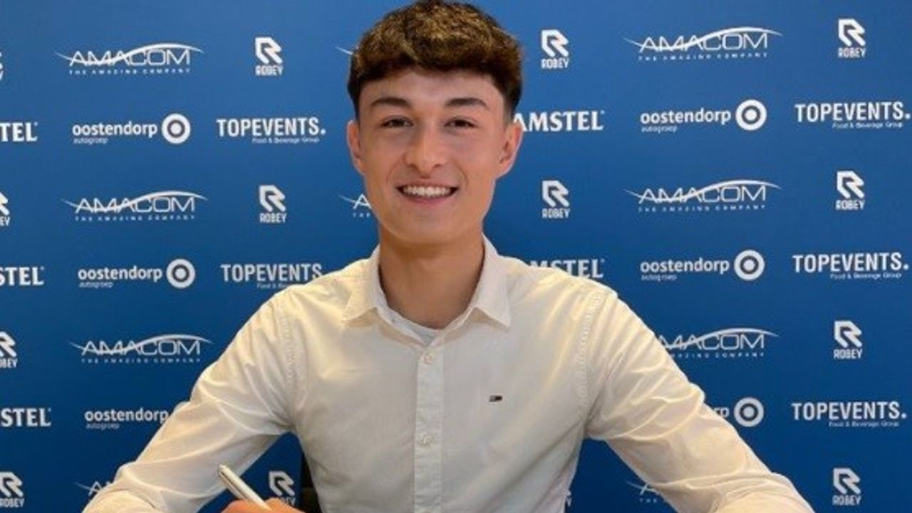 Ryan Leijten tekent op 18e verjaardag contract bij FC Den Bosch