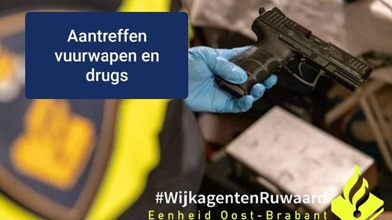 Politie vindt ruim vierduizend euro contant geld, vuurwapen en drugs in auto