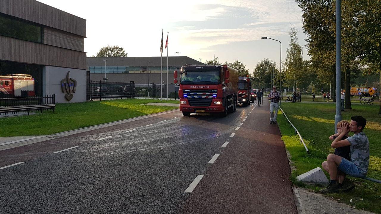 Brandweer Uden neemt met 'toeters en bellen' afscheid van kazerne aan de Leeuweriksweg
