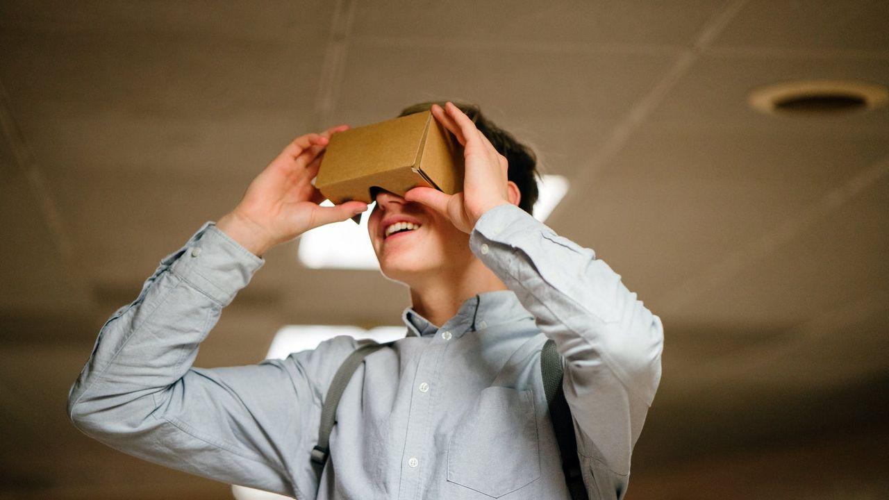 Virtual reality bril geeft inkijkje in dag laaggeletterde