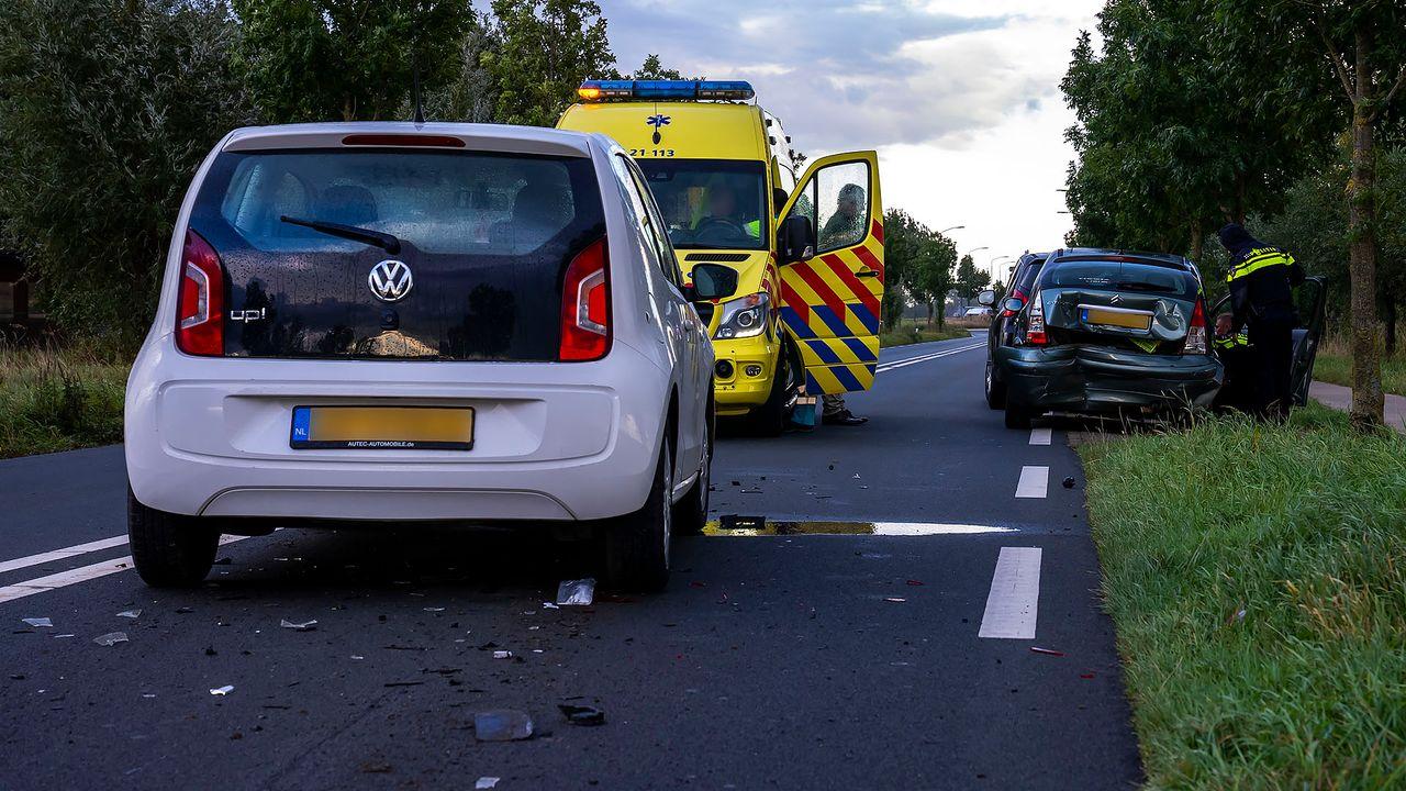 Twee gewonden bij ongeluk met meerdere auto's in Macharen
