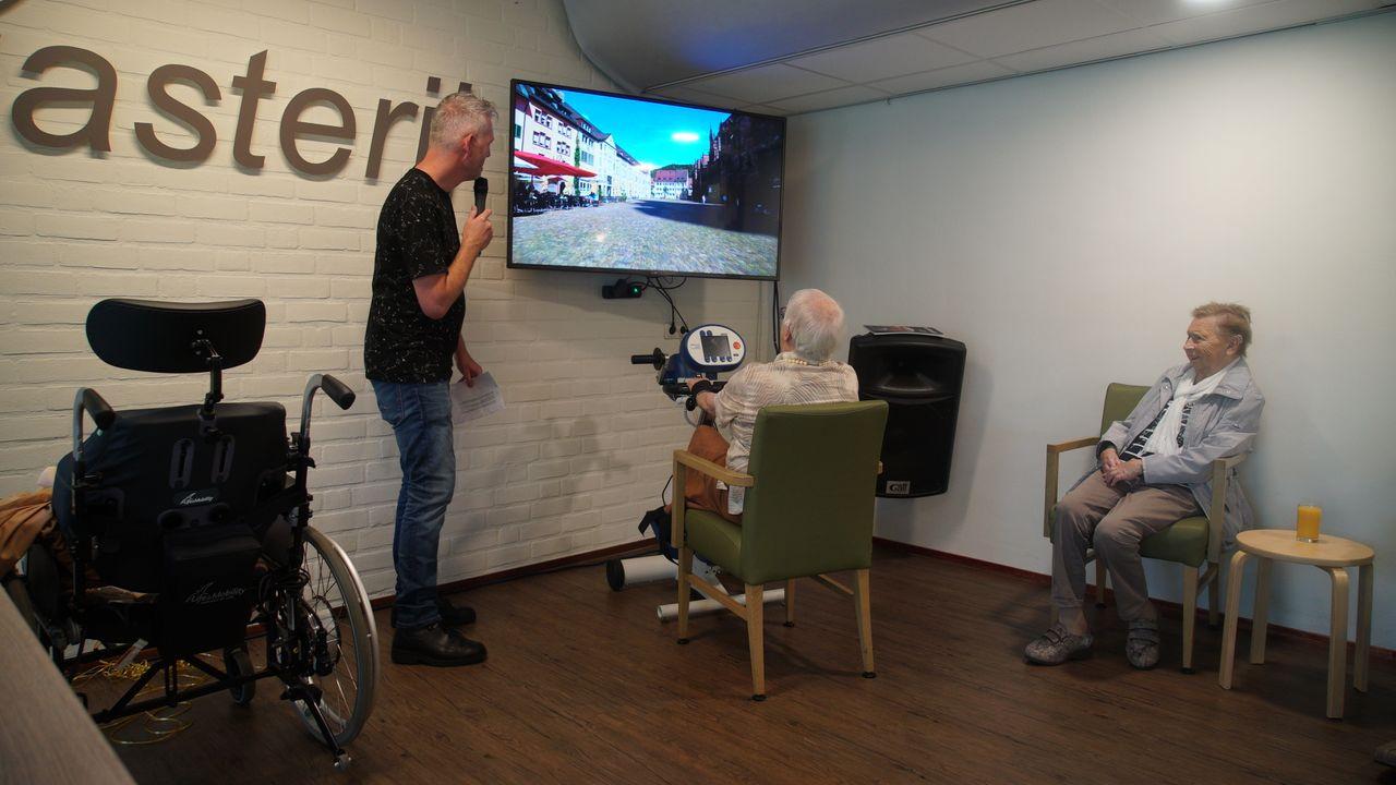 Ouderen in Volkel halen herinneringen op met virtuele fietstochten