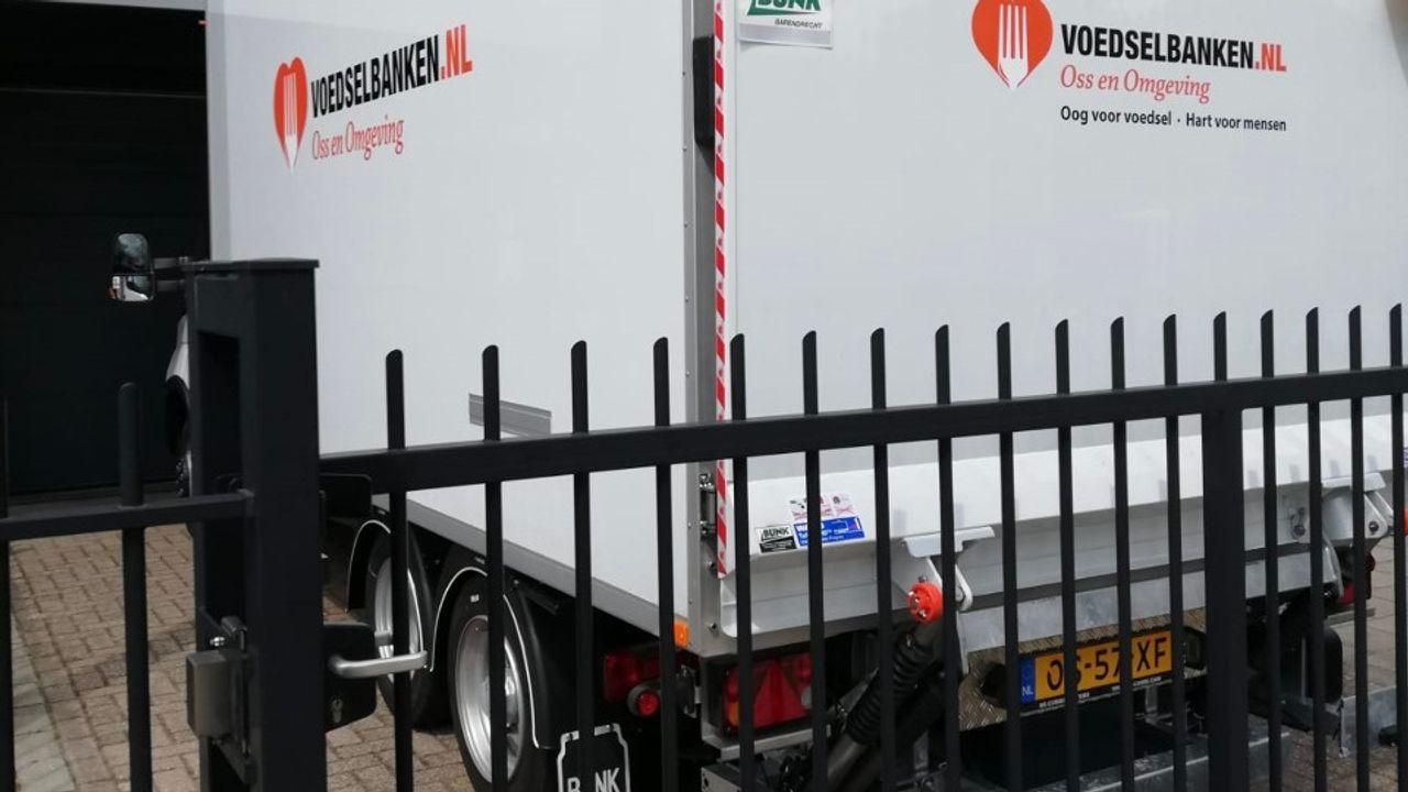 Voedselbank Oss heeft eindelijk de gewenste nieuwe vrachtauto