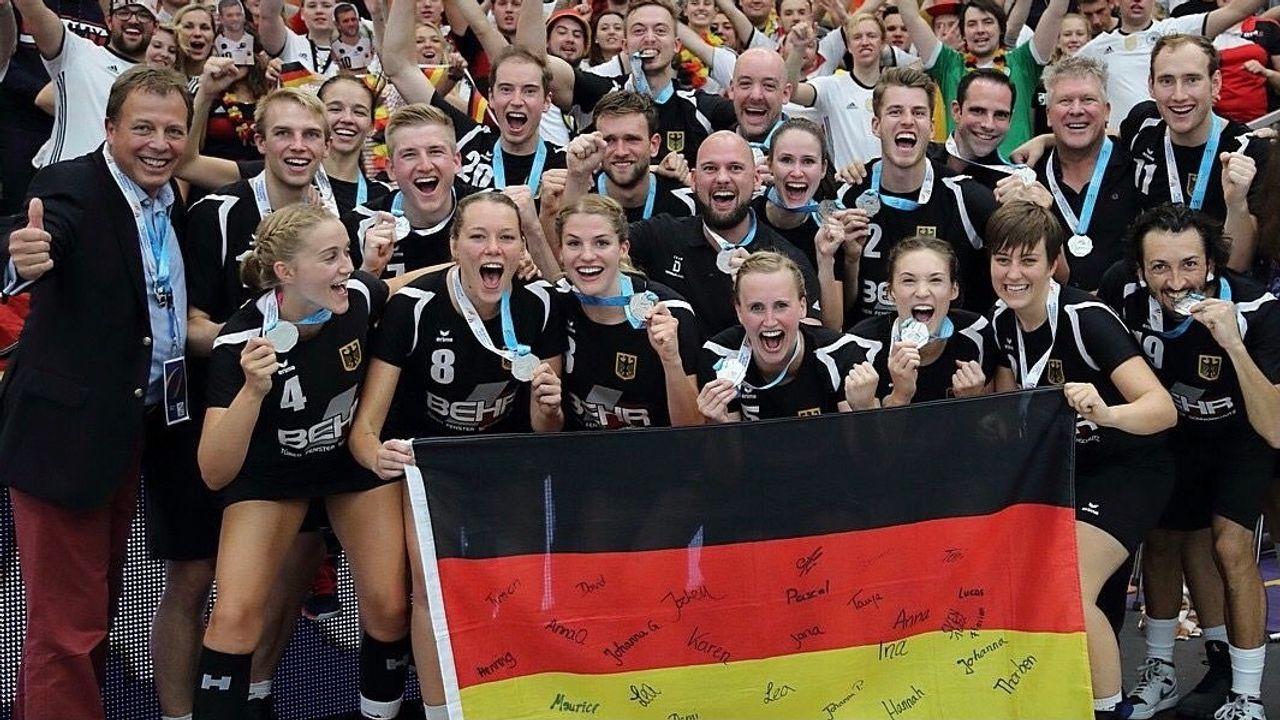 Team Deutschland Korfball gaat oefenen tegen DOT uit Oss