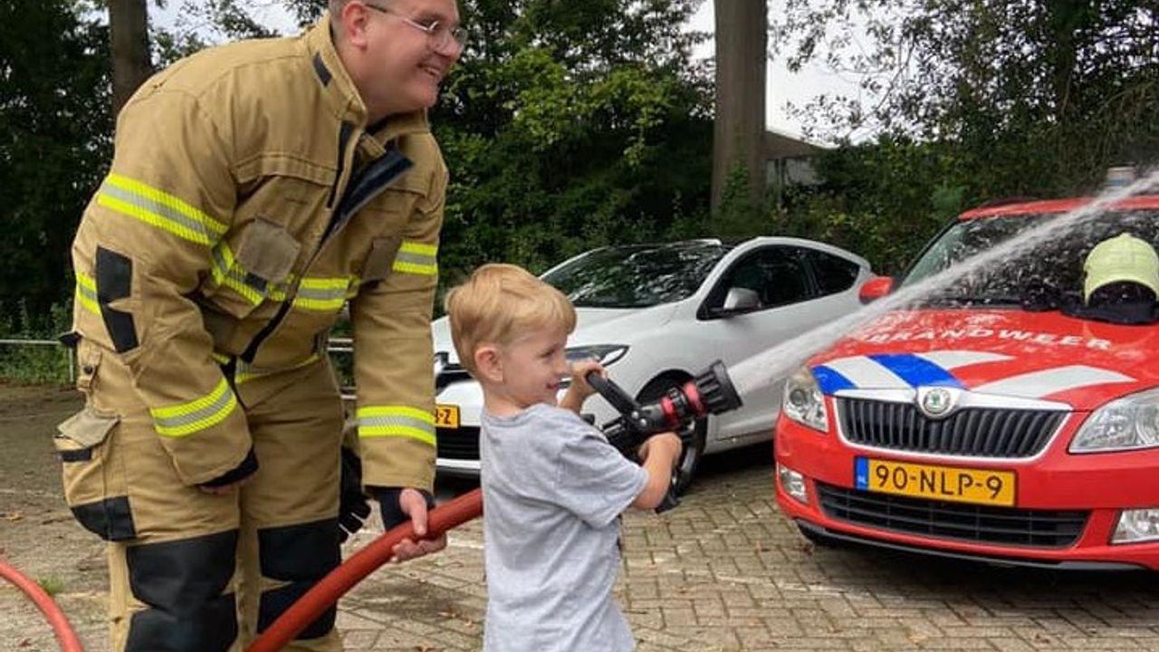 Osse brandweer geeft 3-jarige Deacon dag van zijn leven