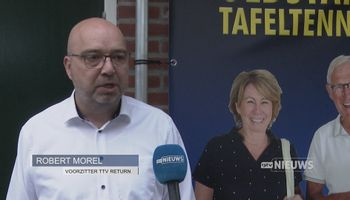 Bettine Vriesekoop geeft cursus tafeltennis in Oss